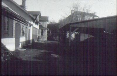 Kv. Plåtslagaren, Nygatan 21. Bryggare Perssons hus vid Köttorget, senare Åblads. Rivet 1935. Gårdsinteriör.