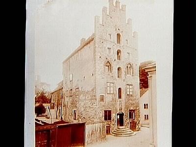 Gamla Apoteket, femvånings medeltida stenhus. Nr: 245. Inköpt av Ångfartygs AB Gotland.