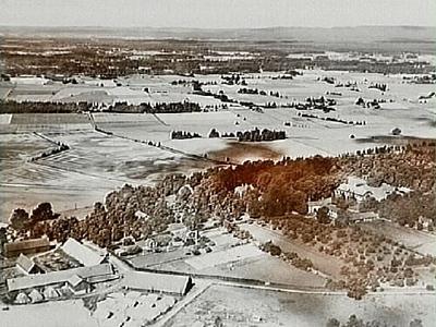 Bild tagen efter flygfoto över Riseberga klosterruin och Riseberga gård.