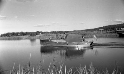 Hjälmaren filmas, 19 juli 1967  Hjälmare kanal vid Värhulta.