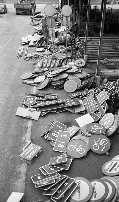 Skylten till salu 30 sept. 1967