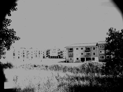 Bostadshus.  Arkitekt Alm,  Ekholm & White. Bostadsområdet är Baronbackarna.