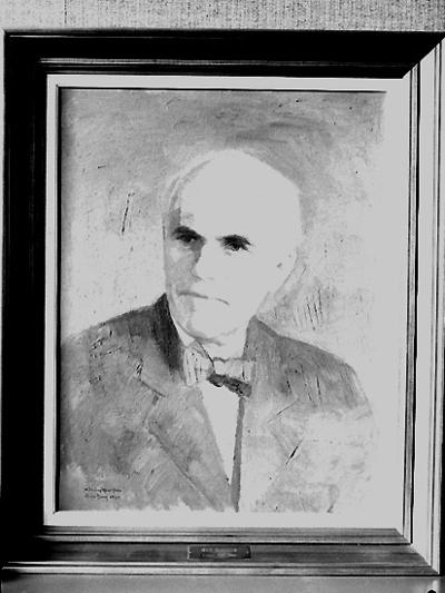 Nämndhuset, tavla (målning). Motiv: en man. Porträtt av Nils Bergsten, rektor 1931-1945.