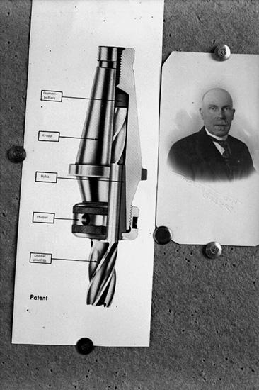 En man, bröstbild. Kalle Andersson. Skiss, Patent (Borrverktyg).