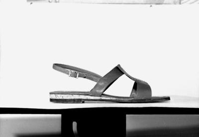 En sko - sandal. Oscaria Skofabrik.
