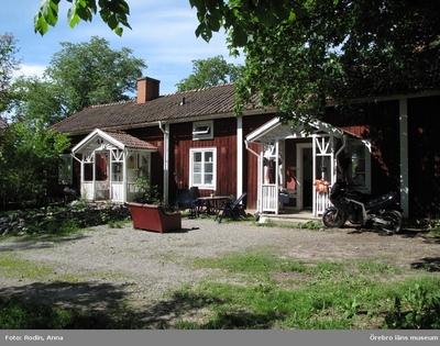 Inventering av kulturmiljöer i Axberg, Ervalla och Ödeby. Område 3. Miljö 57: Kvinnerstatorp. Dnr: 2010.240.086