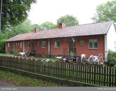 Inventering av kulturmiljöer i Tysslinge, Gräve, Kil och västra Längbro. Område 4. Miljö 35: Latorps gård. Dnr: 2010.240.086