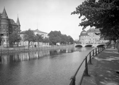 Örebro slott, Storbron, Teatern och Nerikes Allehanda huset. Arkitekt Arn, Byggnadsnämnden.