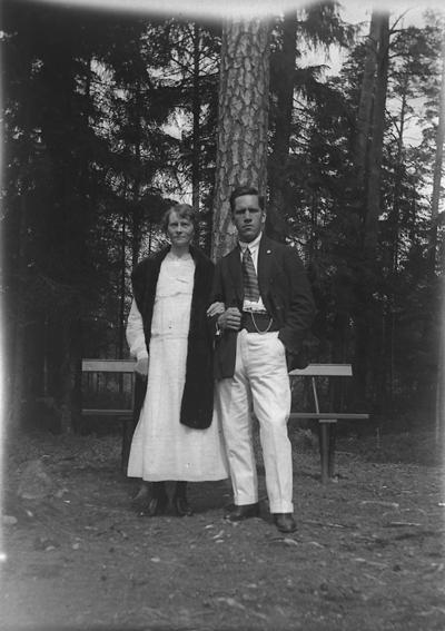 Porla, ett par. Karl Hedström