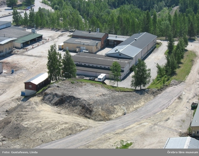 Yxhultprojektet, etapp 1, inventering av Yxhultsbolagets industriområden samt lämningar i landskapet. Kvarntorp 6:1, Kvarntorps industriområde. Kontors- och verkstadskomplex. Översiktsbild.