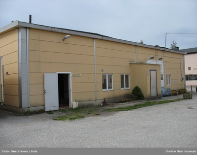 Yxhultprojektet, etapp 1, inventering av Yxhultsbolagets industriområden samt lämningar i landskapet. Kvarntorp 6:1, Kvarntorps industriområde. Kontors- och verkstadskomplex. Verkstadsdel. Exteriör.
