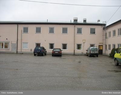 Yxhultprojektet, etapp 1, inventering av Yxhultsbolagets industriområden samt lämningar i landskapet. Kvarntorp 6:1, Kvarntorps industriområde. Kontors- och verkstadskomplex. Kontorsdel. Exteriör.