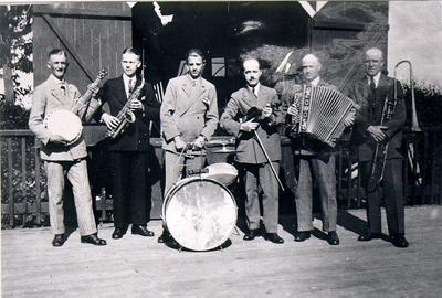 Dansband. Zeldéns orkester Skaraborgs regementes dansbana 1925. Alvar