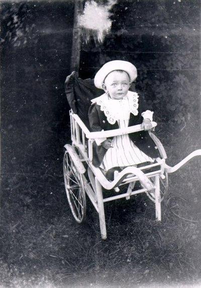 Gunnabo? Möjligen Gustav Ylander från Gunnabo, Yllestad. Denne blev folkskollärare, men avled i unga år.