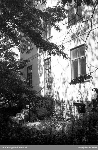 Gamla stan 1:6 NV. Huset rivet 1986.