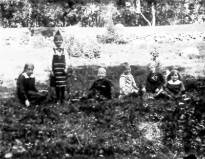 Fanjunkare Klas Ottergrens barn Ingrid f 1906, Karin och Klas f 1910, Birger f 1911, Lennart f 1909, Marta f 1913.