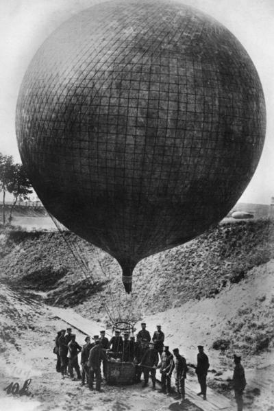 Första världskriget. Engelsk kulballong.