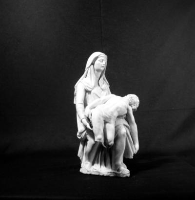 Pietà. Fotad för utställningen