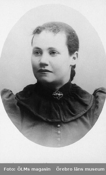 Ida Natalia Israelsson (född Pettersson) 1874 - 1962, ca 1890.
