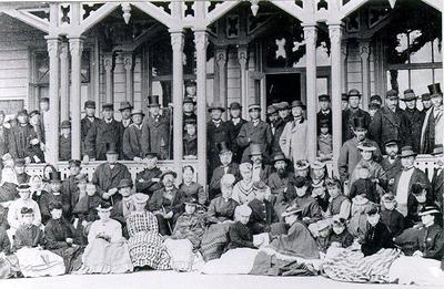 Mössebergs bad. Det första Bad- och socitetshuset. Nedbrunnet 1870.