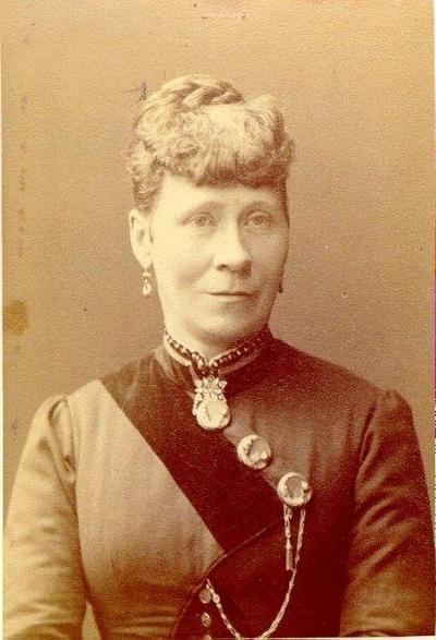 Augusta Cederlund, konditorsfru.