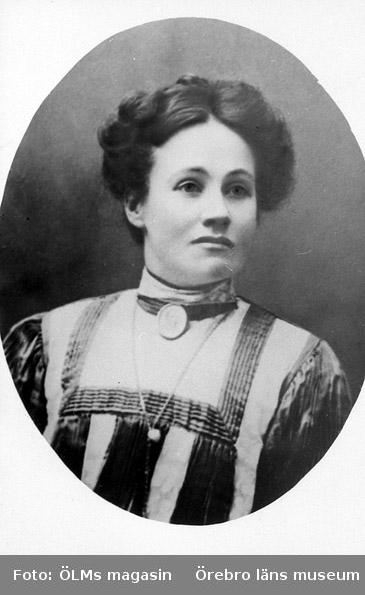 Ida Natalia Israelsson (född Pettersson) 1874 - 1962, ca 1905.