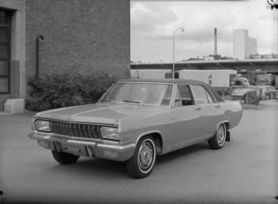Typbesiktning. Opel Diplomat. >>