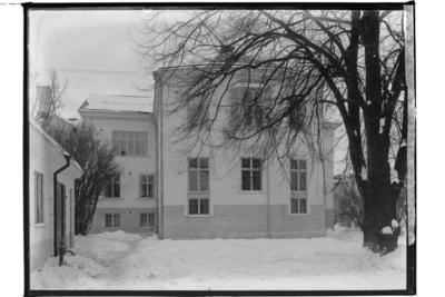 Tingshuset, tvåvånings stenhus, tagit från gården. Bilden visar huset på Olaigatan 34.  Arkitekt Karl Nissen, Drottninggatan 3, Örebro.