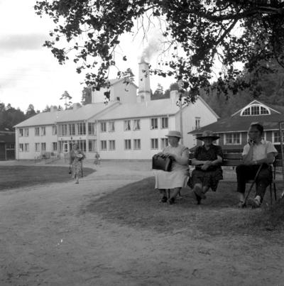 Loka brunn. Juli 1956.