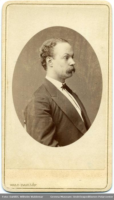 Kabinettsfotografi: apotekare G Emil Petersson i Gränna