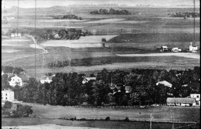 Utsikt över Falköping. Gården längst t.v. Tåstorp. Andra strecket från vänster pekar ned mot Trekanten. Strecket längst t.h. pekar mot Grönelund, två hus kvar 1969.