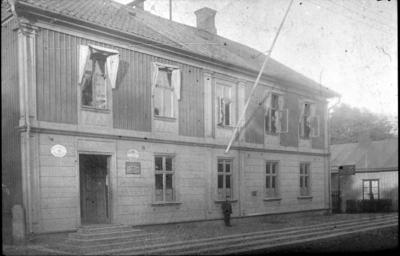 Stadsäga 300, gamla Telegrafstationen, Järnvägsgatan 20. Längst t.v. Ögrens café kv Rådjuret.