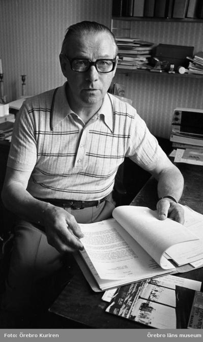 Rune Karlsson 6 juli 1974   Innehavare av slakteriaffären i Kilsmo intervjuas.