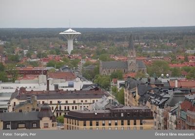 Bilder tagna under renoveringen av tornet på Nikolaikyrkan 2005. Utsikt från Nikolaikyrkans torn mot norr. Olaus Petrikyrkan, Svampen.