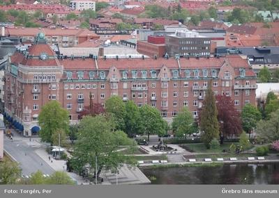 Bilder tagna under renoveringen av tornet på Nikolaikyrkan 2005. Utsikt från Nikolaikyrkans torn mot norr. Centralpalatset.