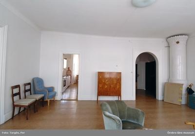 Dokumentation av fastigheterna Längan 9 och 23. Rumsinteriör, rum i lägenhet en trappa upp, Fabriksgatan 12, del A. Dnr: 2006.250.366