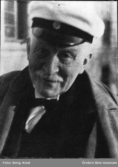 Rutger Sernander 1866 - 1944 Professor i växtbiologi Svenska Naturskyddsföreningens ordförande 1917 - 1930 Sernanders vetenskapliga produktion omfattar över 100 titlar Har bla skrivit