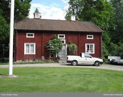 Inventering av kulturmiljöer i Axberg, Ervalla och Ödeby. Område 3. Miljö 45: Axbergs kyrka och kyrkmiljö. Dnr: 2010.240.086