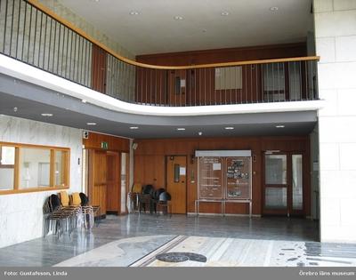 Yxhultprojektet, etapp 1, inventering av Yxhultsbolagets industriområden samt lämningar i landskapet. Bysta 1:5. Nya huvudkontoret, innan delar av byggnaden revs 2007. Interiör.