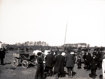 Marknadsplatsen i Floby före 1918. Långt bort syns gården Store Hed.