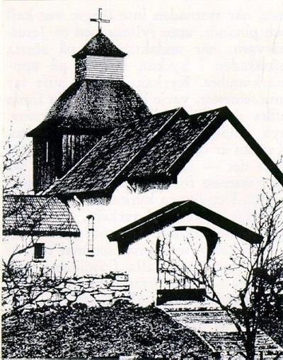Luttra annexkyrka ligger strax öster om järnvägen, är liten, troligen från 1100-talet, men takvalven från 1200-talet och trätornet från 1700-talets slut. Den överbyggda kyrkogårdsporten kvarstår.