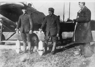 Första världskriget. Italienska flygbomber.