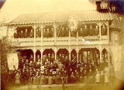 Nykterhetsföreningen Enigheten. Carlslund vid Ellet, byggt 1870. Nykterhetsföreningen Enigheten hyrde också av Hansson tills den byggde egen lokal vid S:t Olofsgatan 20 1902 - 1903. Föreningen Enigheten stiftades såsom loge av IOGT men ombildades till fristående nykterhetsförening i april 1888.