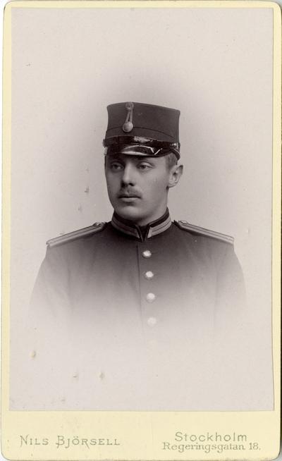 Porträtt av Carl Stanislav Stenkula, underlöjtnant vid Södra skånska infanteriregementet I 25.