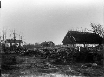Kastholmen 1/4 mtl, den högra gården som ägdes av Alexander Andersson.