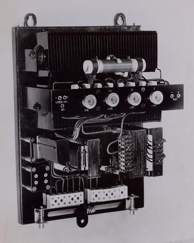 Likriktare Tudor typ K-2.7/18 modell 1937 (med huven avtagen).