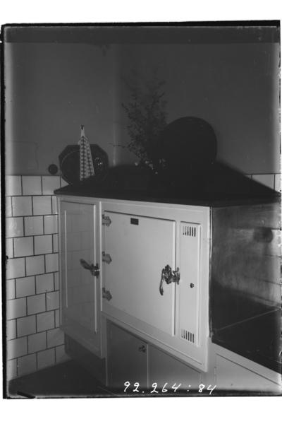 Hålahults sanatorium, interiör kyl och värmeskåpet i teköket och övre manlig avdelning