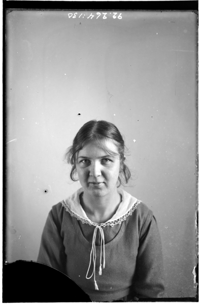 Hålahult sanatorium, interiör, porträtt på en kvinna