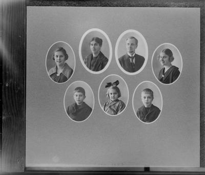Personporträtt, 7 bröstbilder. Fotograf Sam Lindskogs familj. Sam, Hulda, Margit, Märta, Ingrid, Sven och Karl-Erik Lindskog.