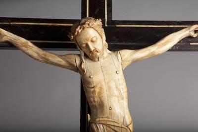 ref: PM_098547_E_Pastrana; Crucifijo de mesa, detalle
